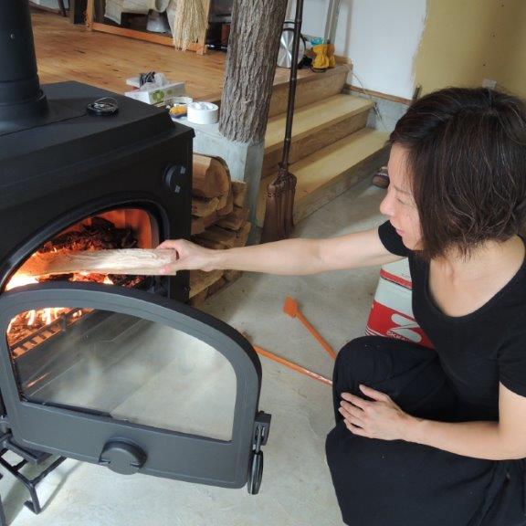 薪ストーブって暖かいんですね